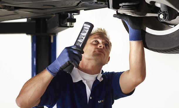 Behöver ni hjälp med er bil så finns vi där för er - Däckstop GMG Motor AB, er MECA Car Service verkstad i Linköping.